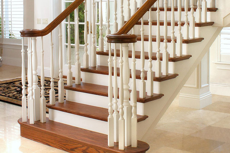 http://www.briarwoodmillwork.com/wp-content/uploads/2015/10/stairs1.jpg